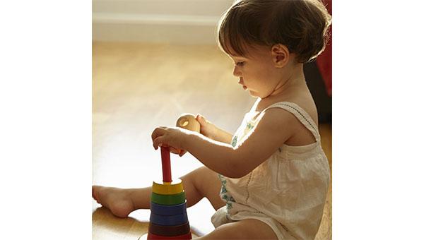 بهترین اسباب بازی برای کودک ۲ ساله