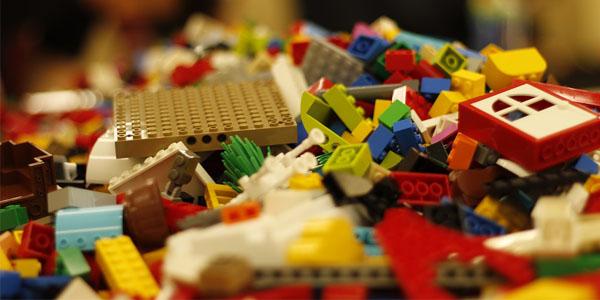 اسباب بازی برای کودک 8 ساله دختر
