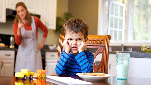 حرف گوش نکردن کودک 5 ساله
