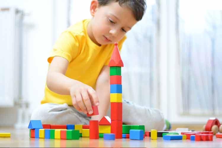 بازی راهی است تا کودک بتواند احساساتش را مدیریت کند.