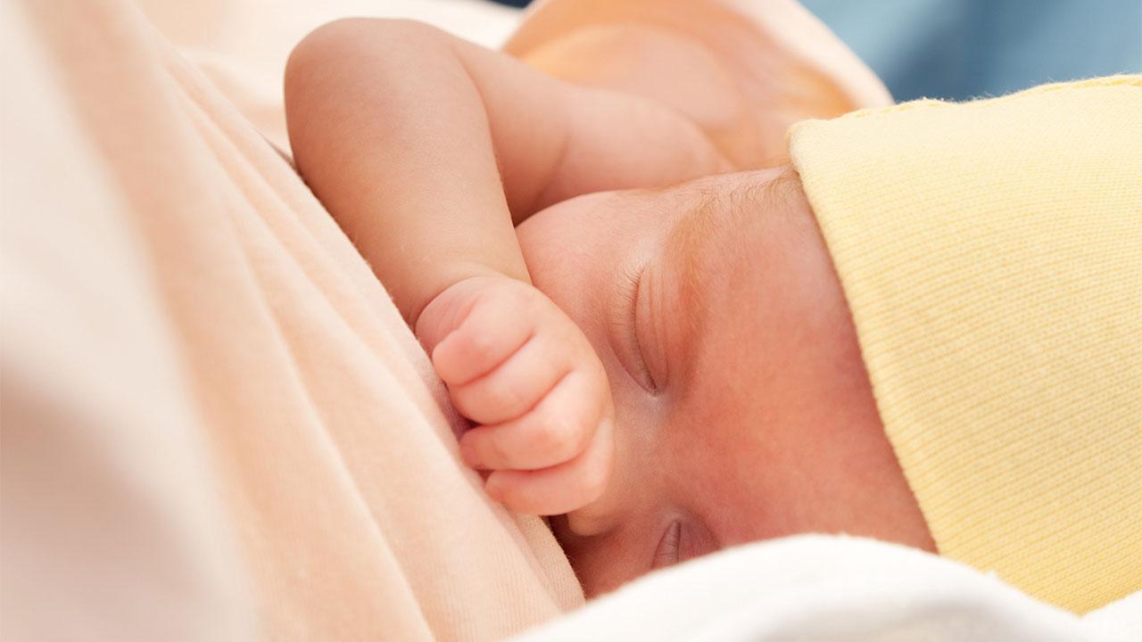 شیر نحوردن نوزاد نارس چالش مهم پدر و مادر در رزوهای اول تولد است